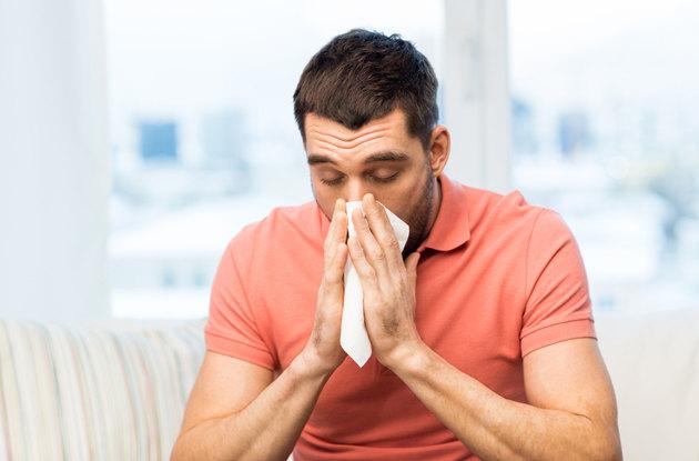 Почему некоторые люди чихают после еды?